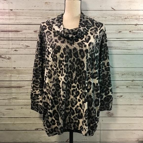 a484ce72316 Roz   Ali Tops - Leopard Print Tunic - NWT